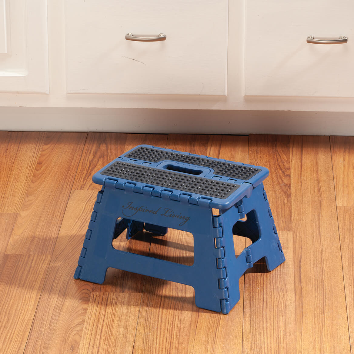 Samsonite 9 Quot Folding Step Stool Folding Stool Miles