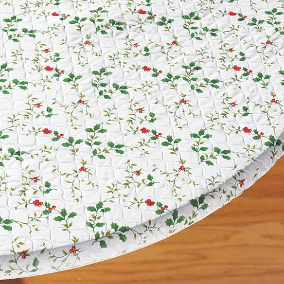 Pfaltzgraff® Winterberry Christmas Tablecover