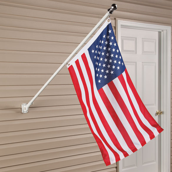 Tangle-Free Flag Pole - View 1
